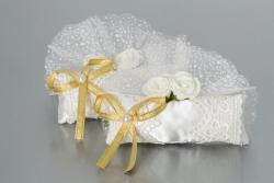 Nikahseker Kissen mit Gold Schleife und Rosen und Tüll