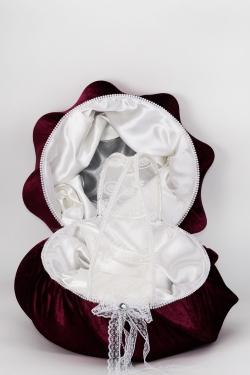 Korb und Tablett aussen bordeuxe Samt innen creme Seide für Henna und Gastgeschenke
