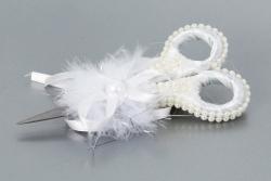 Schere beschmückt in weiß